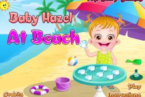 Jeu de bébé sur le sable